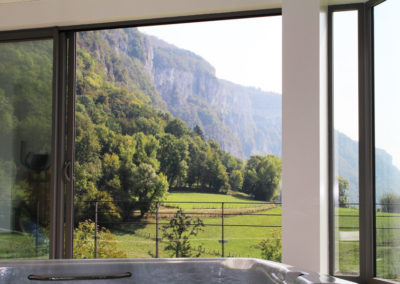 Vue du bassin - Le Clos de mon père - hébergement et spa - 73240 Sainte-Marie-d'Alvey